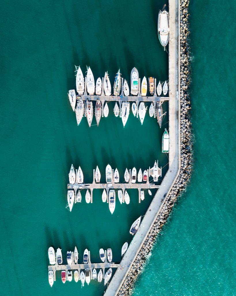 Лодки на кея